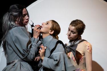 Kadr ze spektaklu KASPAR HAUSER, fot. P. Nykowski