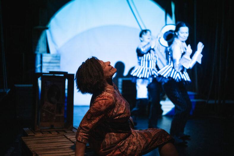 Zdjęcie ze spektaklu MBAMBO, fot. P. Nykowsk